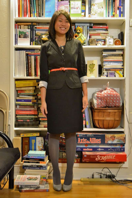 sacramento office fashion blogger angeline evans the new professional business casual gap blazer ebew everybody everywear swapped pencil skirt target versie pumps belt forever 21 gray tights banana republic necklace