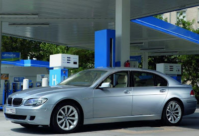 BMW_Hydrogen_7.jpg