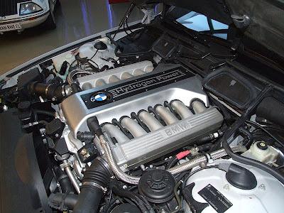 Motor_BMW_Hydrogen_7.JPG