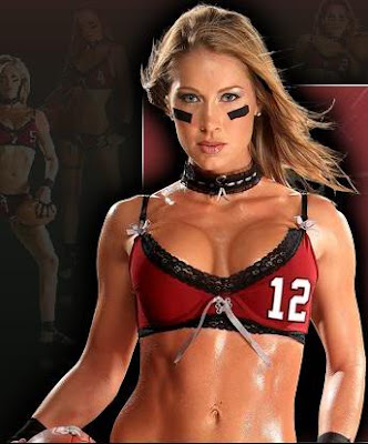Lingerie Football Player Sues Ex-Boyfriend Over Nude Photos