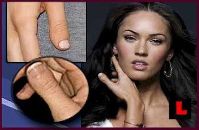 Megan Fox's Thumb - Megan Fox Super Bowl Commercial