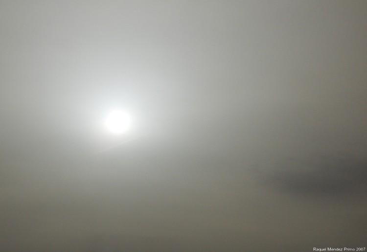 [Sol+blanco.jpg]