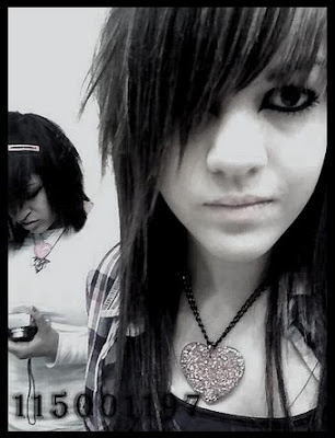 cute emo hairstyle for emo girls scene queen with pink scene hairstyle