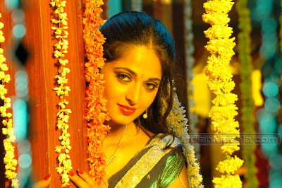ACTRESS ANUSHKA PICTURES