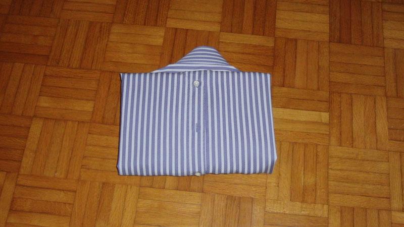 piegare camicia, valigia