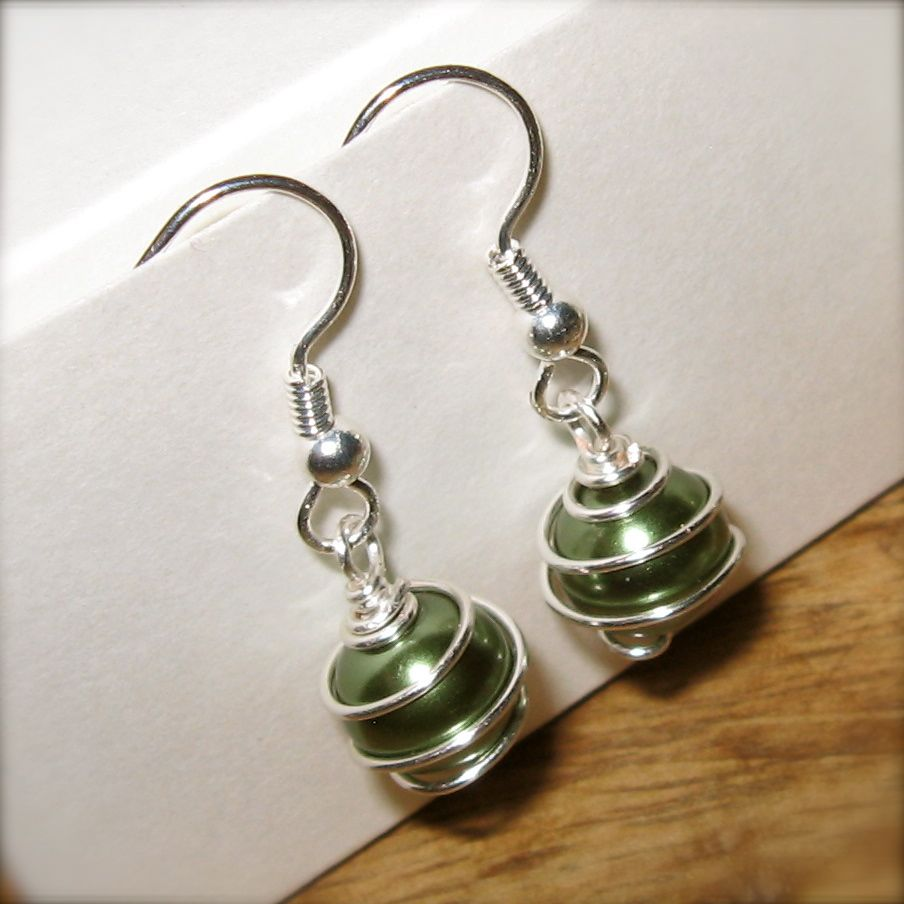 Wire Wrapped Jewelry : Generally creative wire wrapped bead jewelry earrings