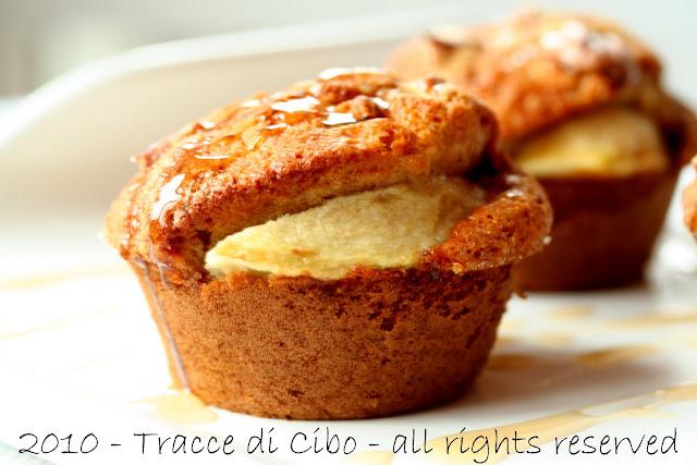 muffin, noci pecan, mele,miele, sciroppo d'acero