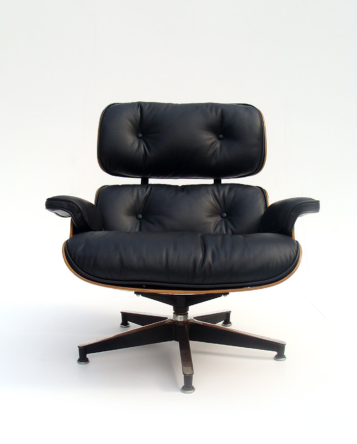 Lounge Chair Manhattanhomedesign Com This Eames Style Lounge Chair