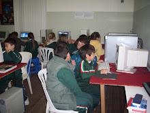 Trabajando en la Sala de Informática 2010