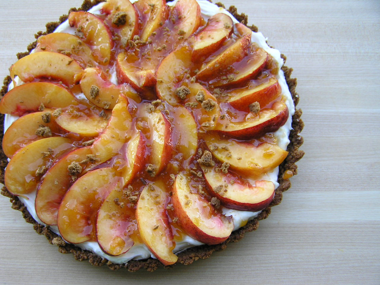 Sweet Luvin' In The Kitchen: Gingersnap Nectarine Tart