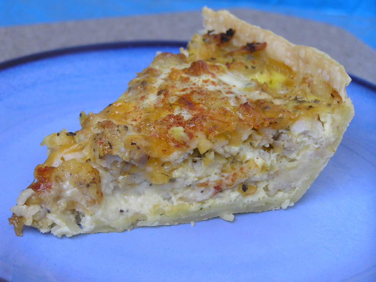 Sweet Luvin' In The Kitchen: Apple Sausage Cheddar Quiche