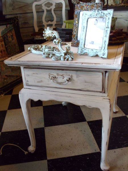 the french flea: White Distressed End Table - $42.00