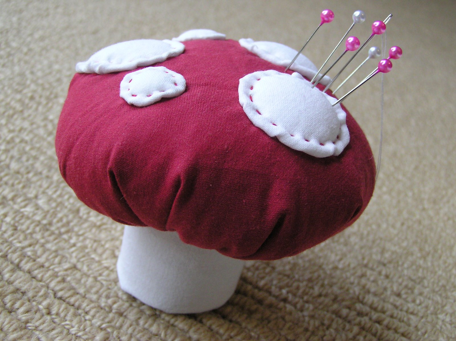 How to make a toadstool pincushion...