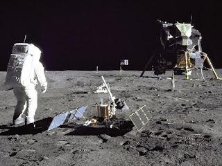 Proof Stanley Kubrick Filmed Fake Moon Footage Aaa182626main_image_feature_872_ys_4