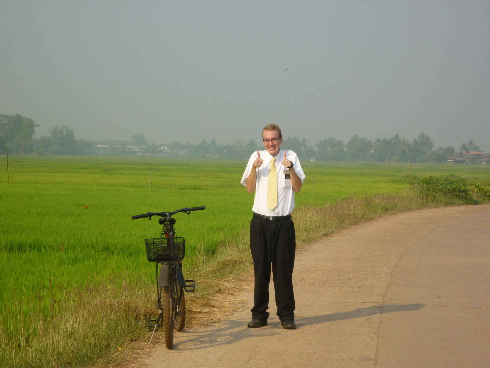 [Jake+with+bicycle+in+Nongkhai]