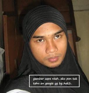 lelaki+bertudung Ditampar bapa sendiri hanya kerana ingin memakai tudung