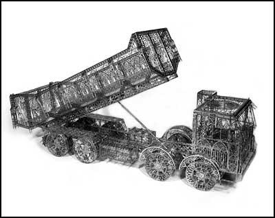 Dump Truck Scale Model - Wim Delvoye [clique para ampliar]