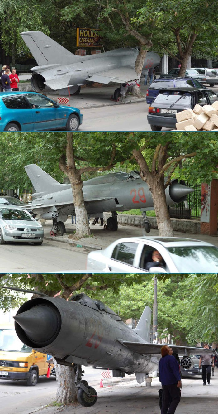 Airplane parking fail