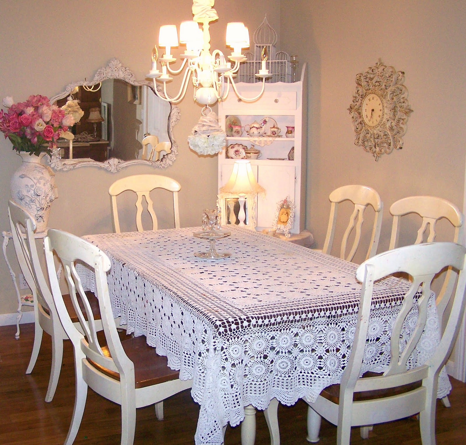 Olivia 39 s romantic home 04 11 10 - Shabby chic dining rooms ...