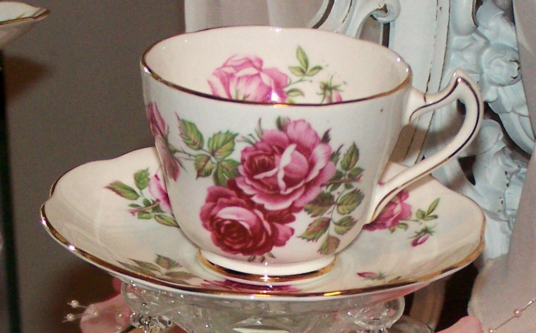 Olivia s romantic home shabby chic living room - Olivia S Romantic Home Pretty Rose Tea Cup Candle Light