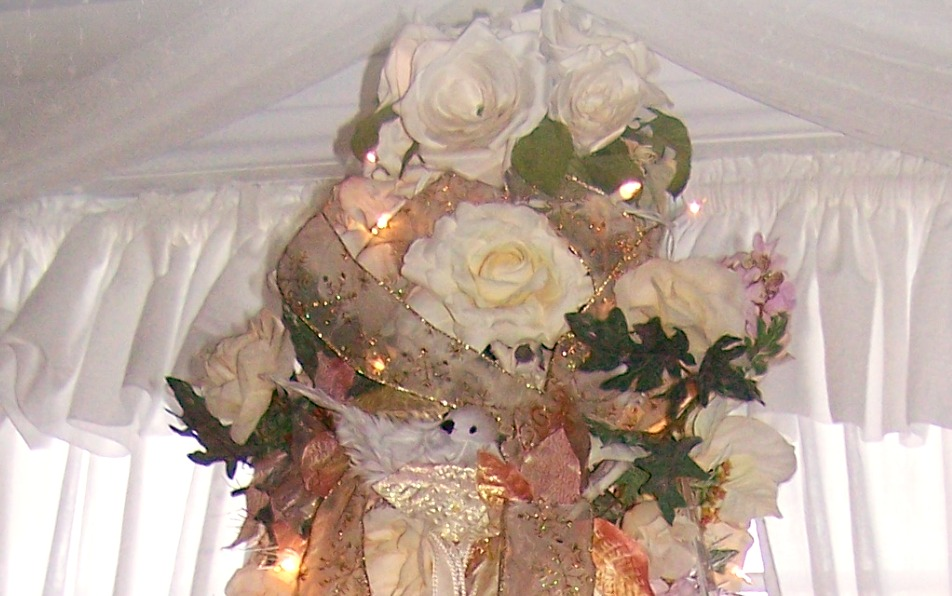 Olivia 39 s romantic home shabby chic white christmas tree - Shabby chic christmas decorations to make ...
