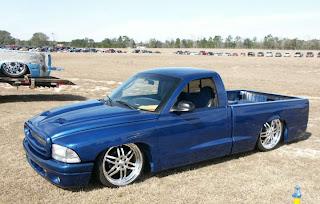 truck blue color paint brush