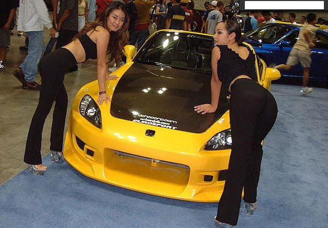 Hot Girls Car Show in Japan
