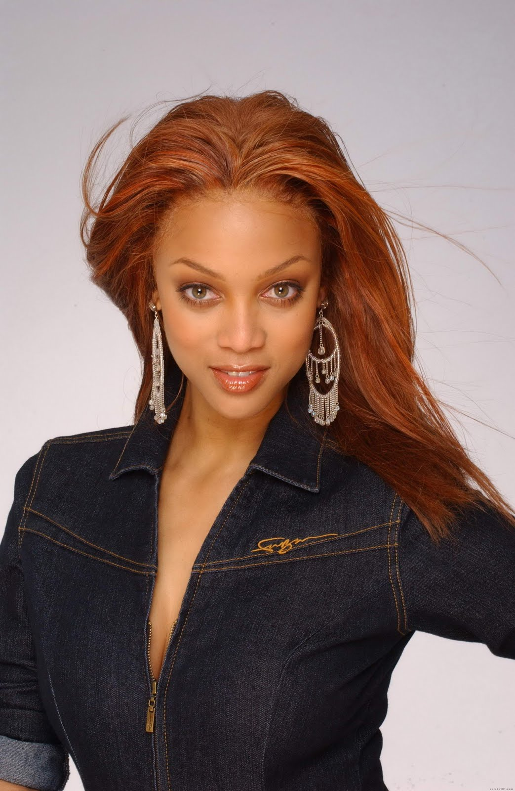 America's Next Top Model season 15 Tyra Banks Host Images