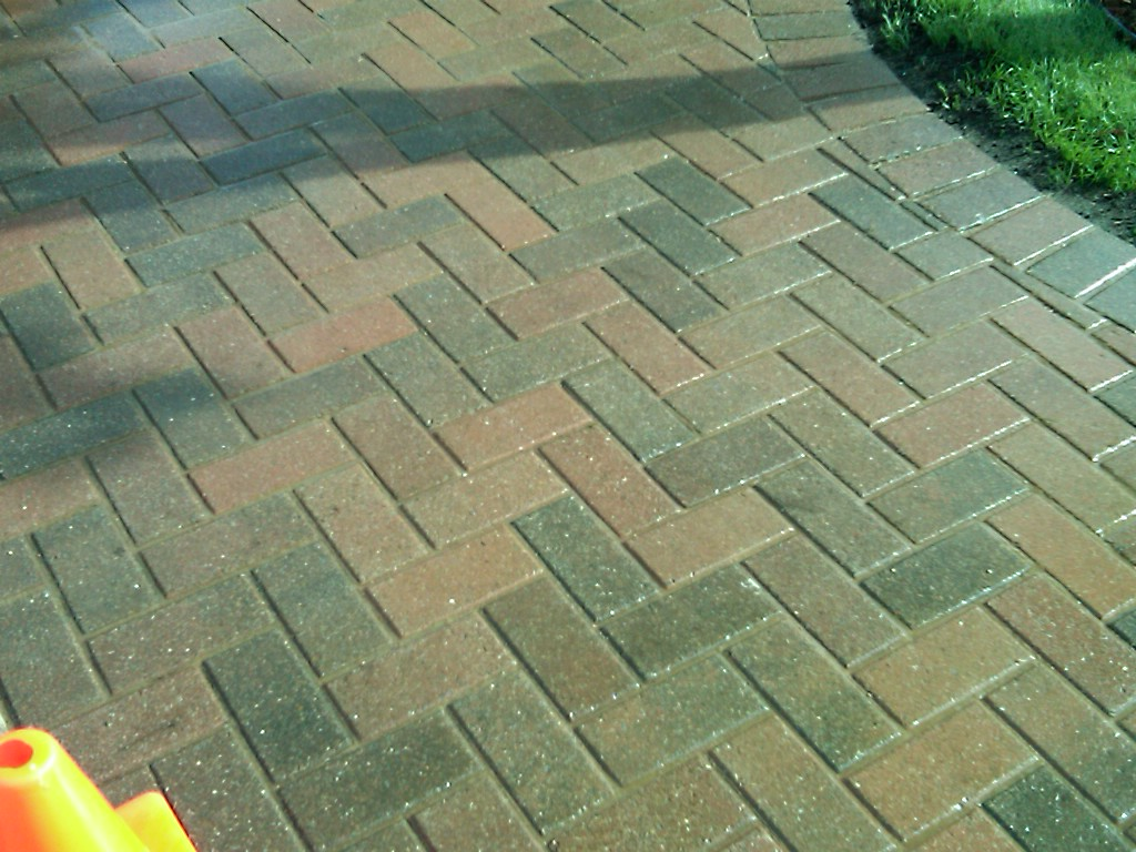 Brick pavers canton plymouth northville ann arbor patio for Green pavers