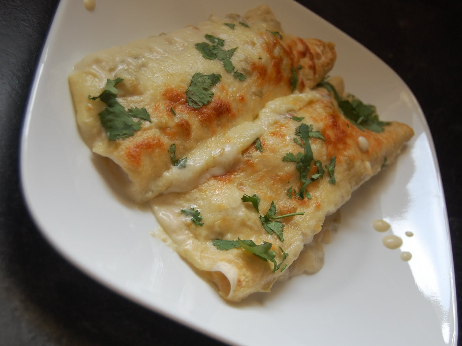Cassie Craves: White Chicken Enchiladas with Green Chile ...
