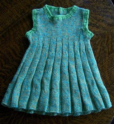 2159586924 68166db707 Anlatımlı Örgü Bebek Elbisesi