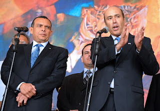 US Amb Hugo Llorens and Honduran President Pepe Lobo