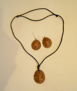 coconut shell jewelry, La Ceiba, Honduras