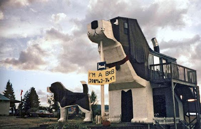 The Dog Bark Park Inn Is A Hotel Located In The US State Of Idaho. The  Hotel Is Carved In The Shape Of A Beagle, ...