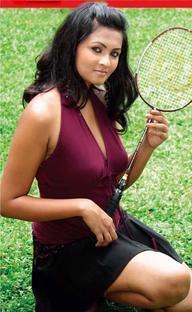 [Sexy-Lankan-Actress-Piumi-Purasinghe-18.jpg]