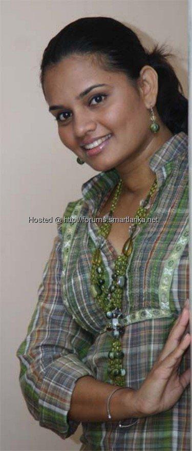 [Sri+Lankan_Teledrama_Actress_Sujani_Menaka_14.jpg]