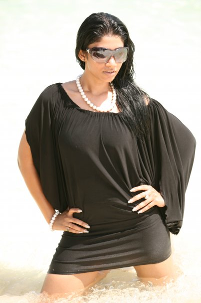[SriLankan_sexy_Tamil_Actress_Aksha_Sudari4.jpg]