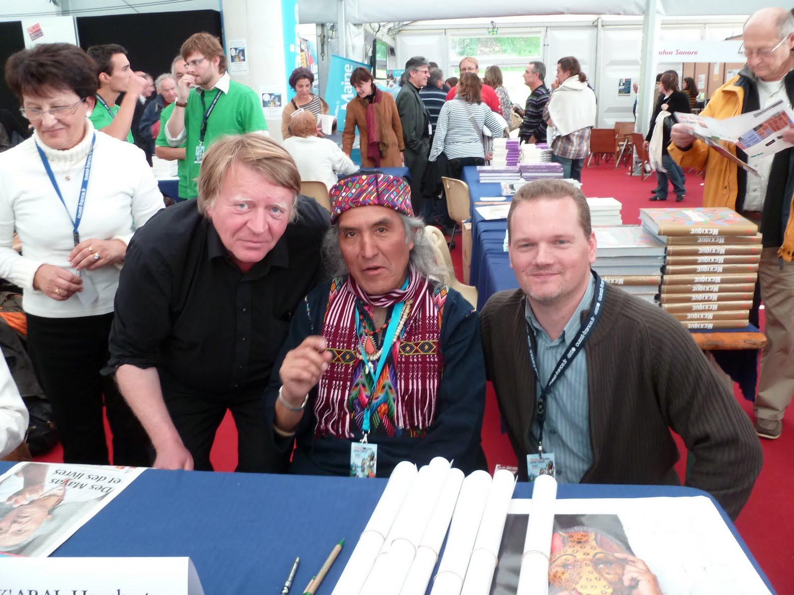 Association guatemala 96 la passion du monde maya la - Salon du livre le mans ...