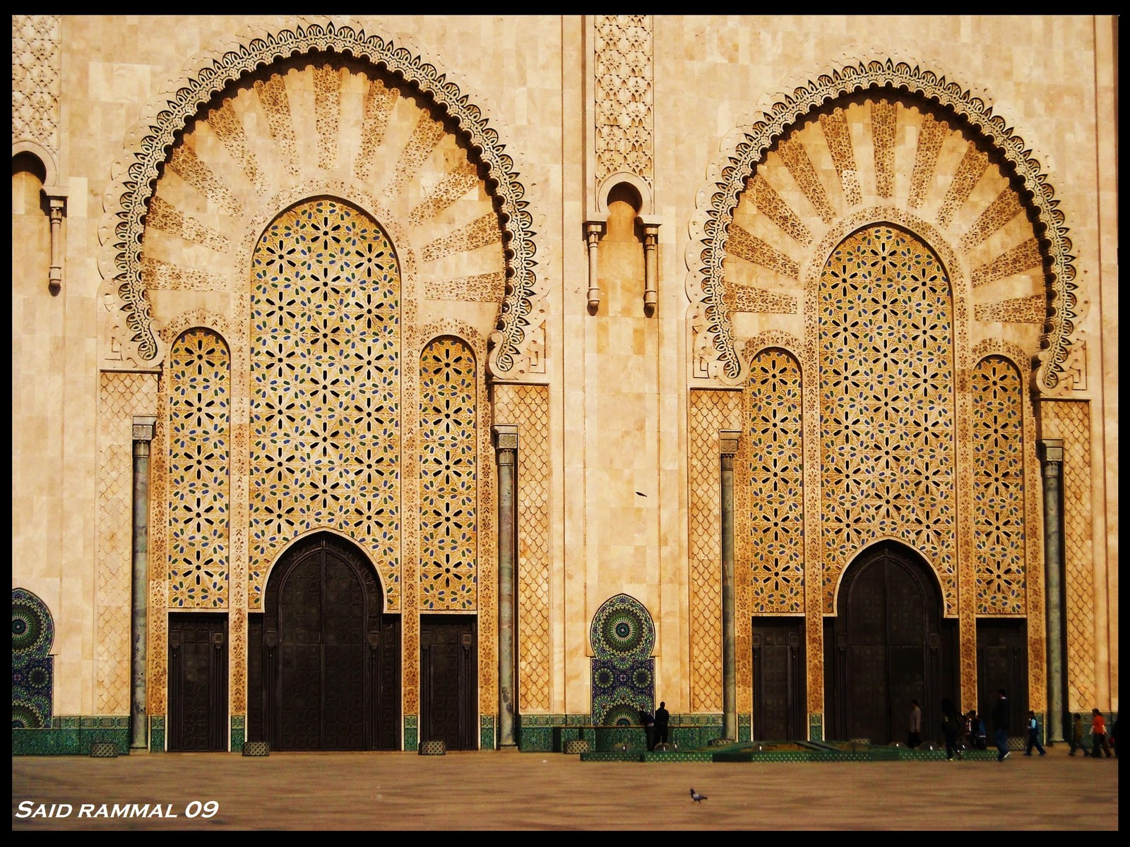 Morocco casablanca mosqu e hassan ii moroccan interior for Mosquee hassan 2 interieur