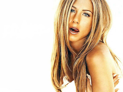 celeb naked pics jennifer aniston