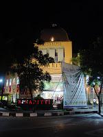 Renaritti, Jl. LLRE Martadinata No. 26 Bandung