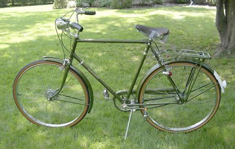 raleigh superbe vintage bicycle. Black Bedroom Furniture Sets. Home Design Ideas