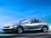 Um modelo esportivo do automóvel Mercedes
