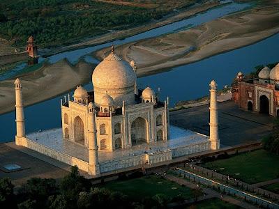 Taj Mahal - Foto aérea com o Rio Agra ao fundo