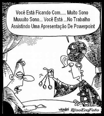 Charge (desenho ou cartoon) alude à chatice sonífera das apresentações de PowerPoint como técnica de Hipnose.