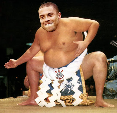 Fotomontagem de Ronaldo como jogador de Sumô do Corintians