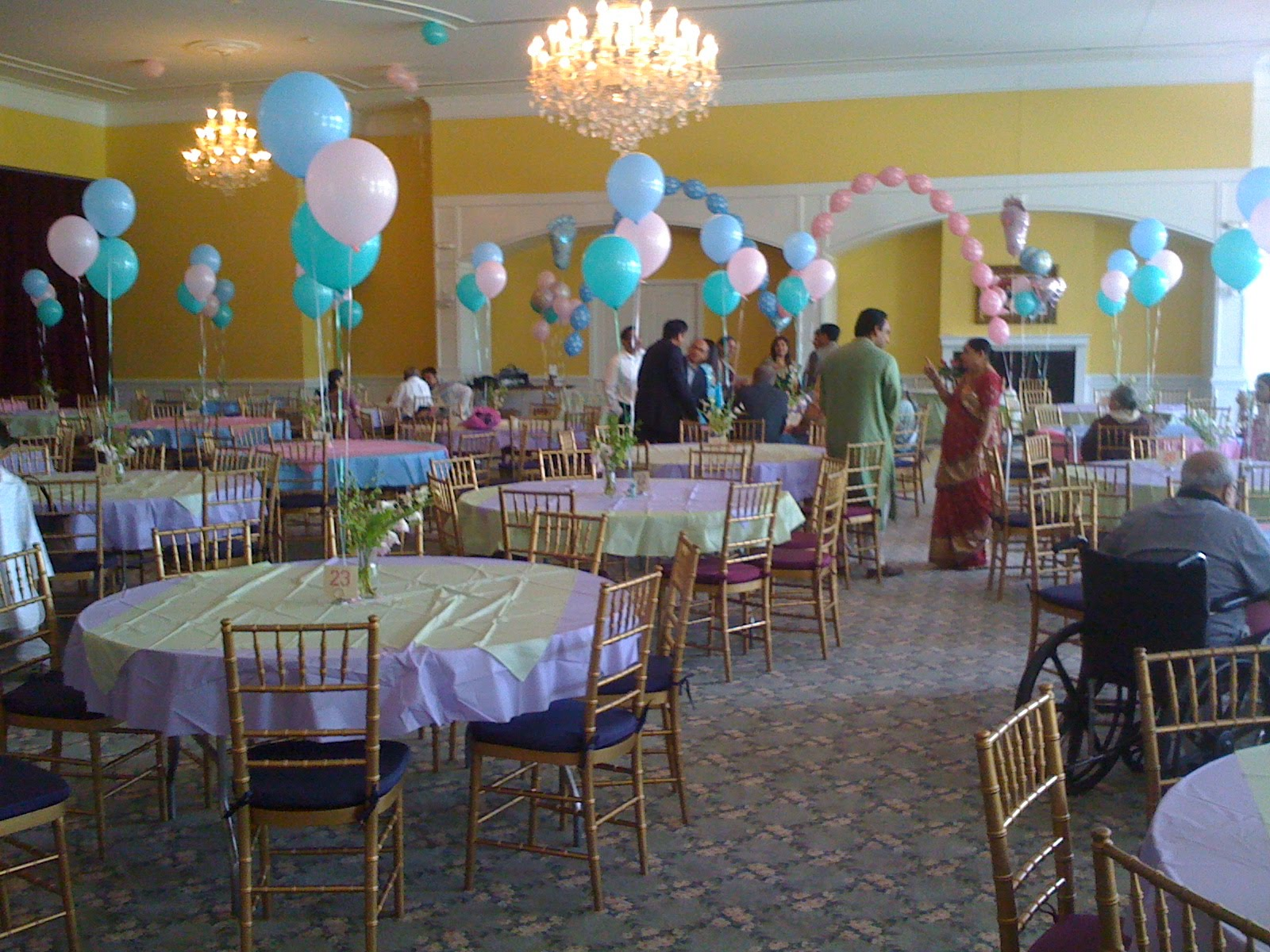Foxchase manor august 22 2010 foxchase north ballrooms for Baby shower party hall decoration ideas