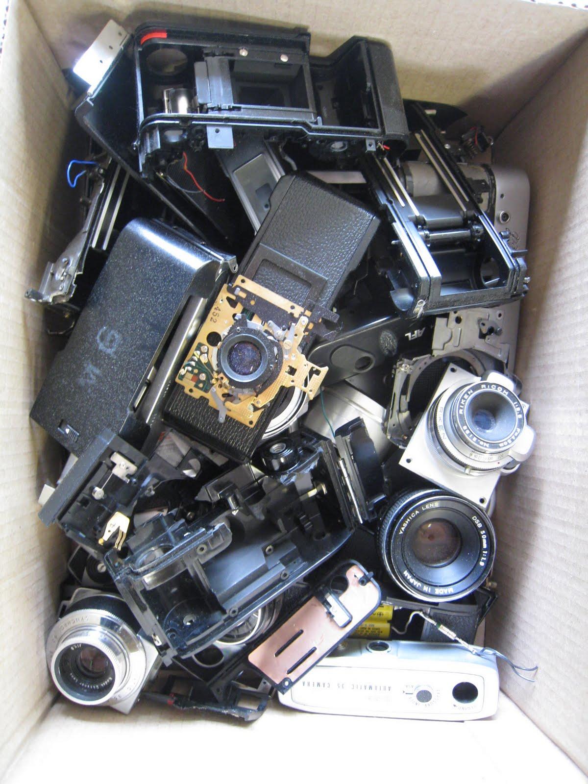 http://3.bp.blogspot.com/_7Q2dFrlwAqQ/S_5O0HteWeI/AAAAAAAABq0/_qv4Xh6HYLo/s1600/campbell%2Bcameras.JPG