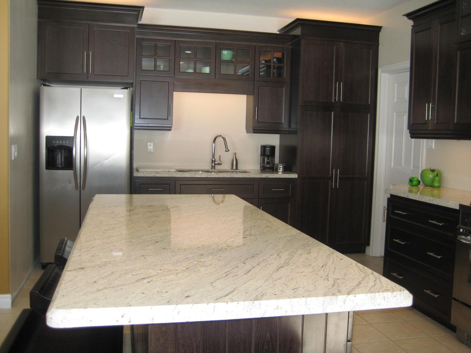 The Granite Gurus: Slab Sunday: River White granite
