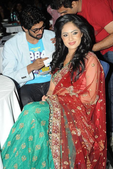 nikesha patel at scope cine awards actress pics